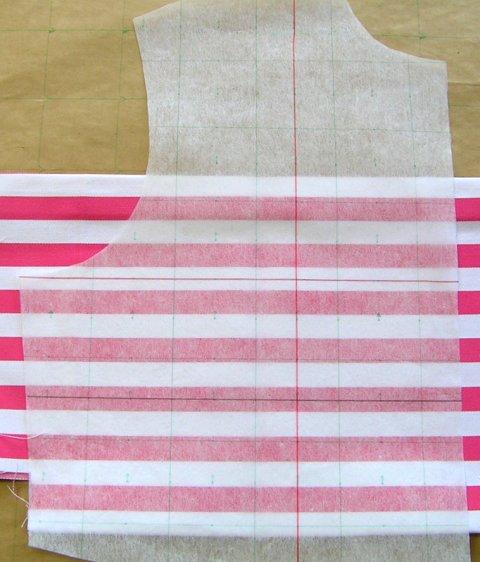 不織布のパターンで柄あわせ裁断が楽々できますよ