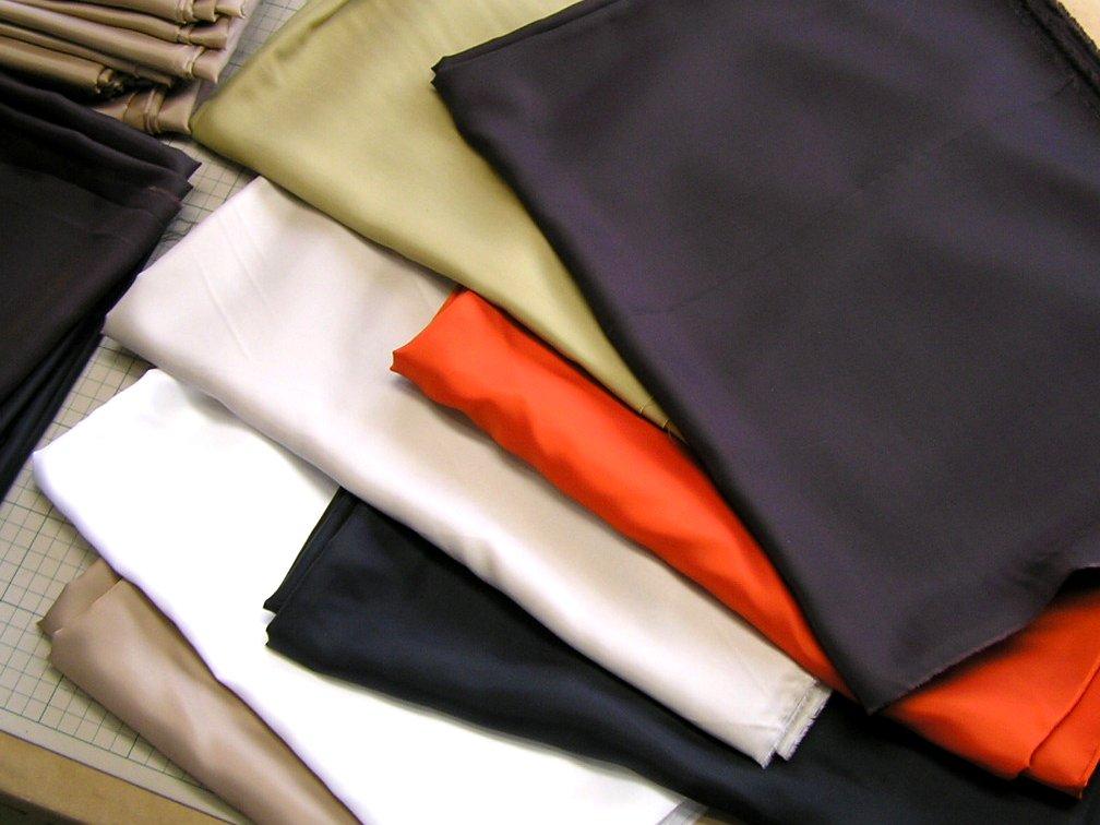 ベンベルグ他、国産有名メーカーのブランド服の残り資材